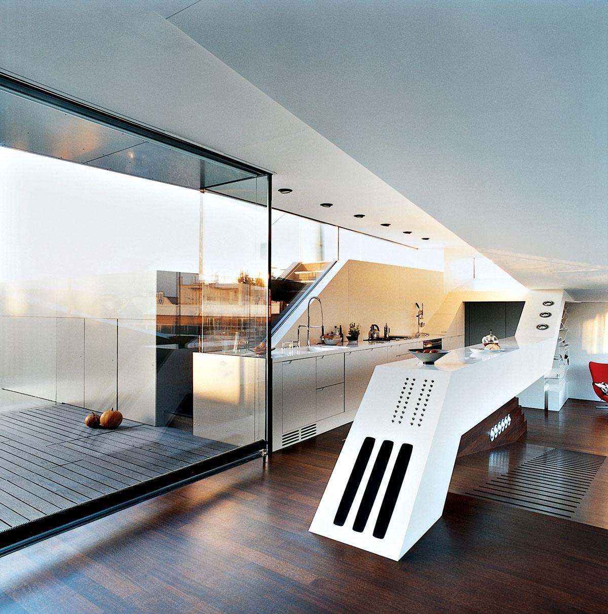 Современный интерьер кухни в футуристском стиле