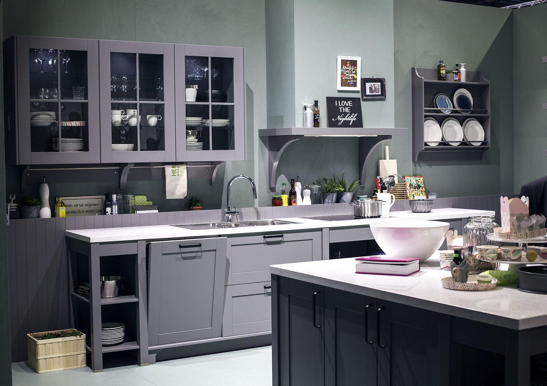 Cовременный дизайн серо-белой кухни, где серый доминирует - фото 2