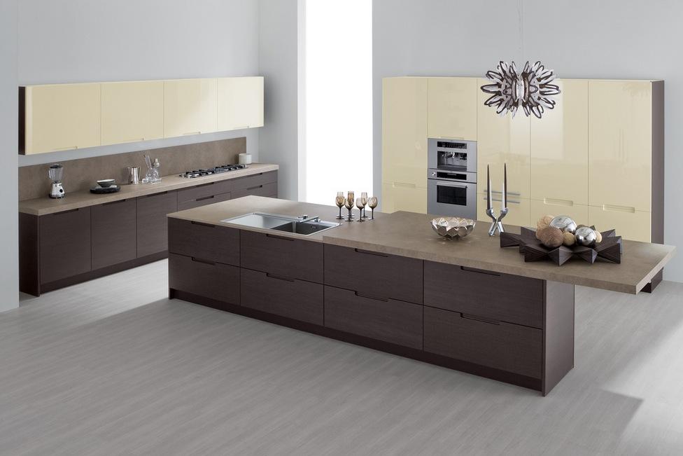Дизайн жёлто-коричневого гарнитура GeD CUCINE в интерьере кухни