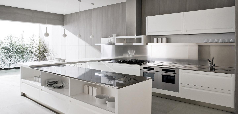 Металлическая столешница в интерьере кухни