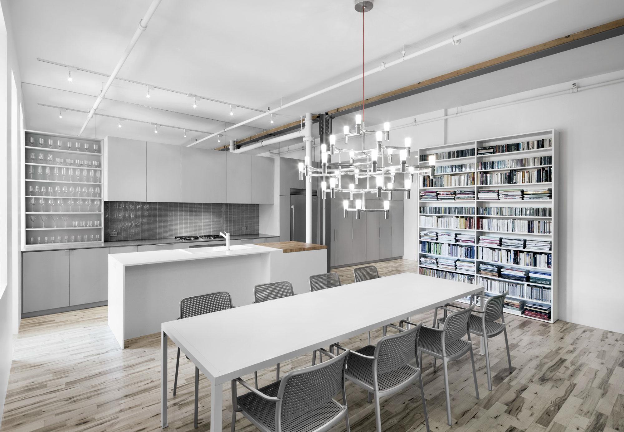 Оригинальный дизайн стульев для кухни - Фото 16
