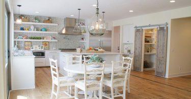 25 модных интерьеров: очаровательные раздвижные двери для кладовки на кухне