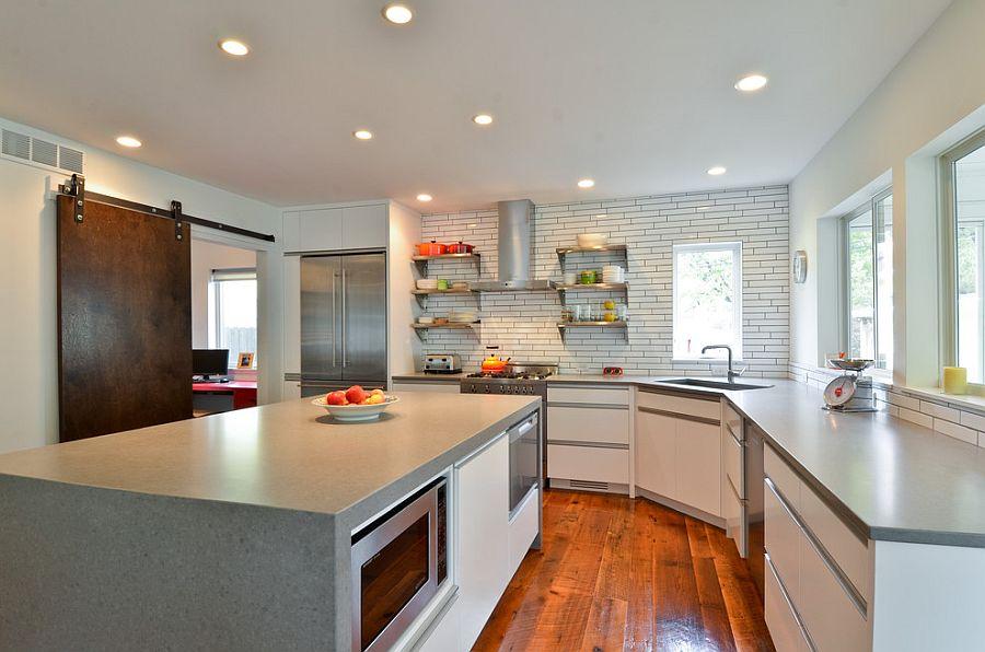 Деревянные раздвижные двери для кладовки на кухне - Фото 10