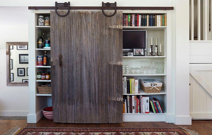 Шкаф за раздвижными дверями в интерьере кухни - Фото 3