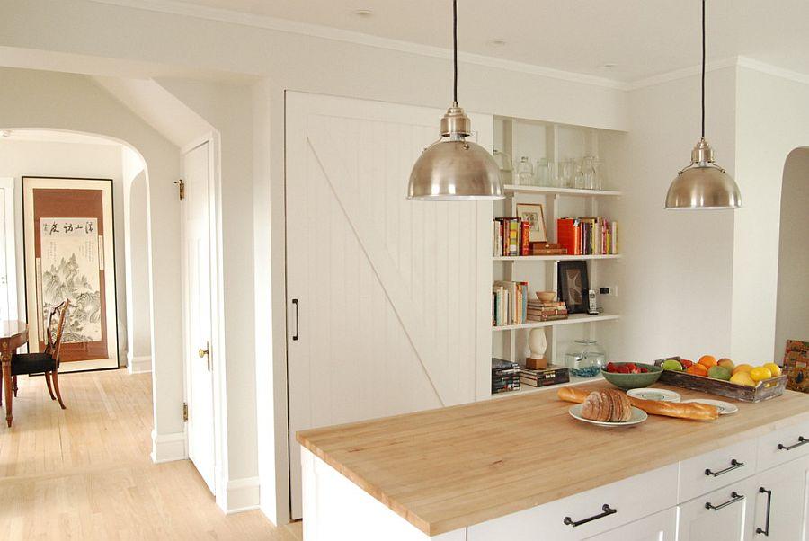 Шкаф за раздвижными дверями в интерьере кухни - Фото 4