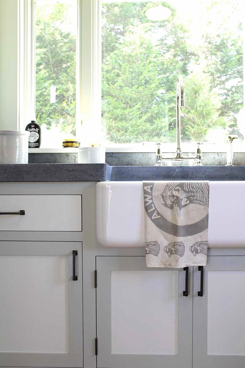 Двухцветные кухонные гарнитуры - Фото 13