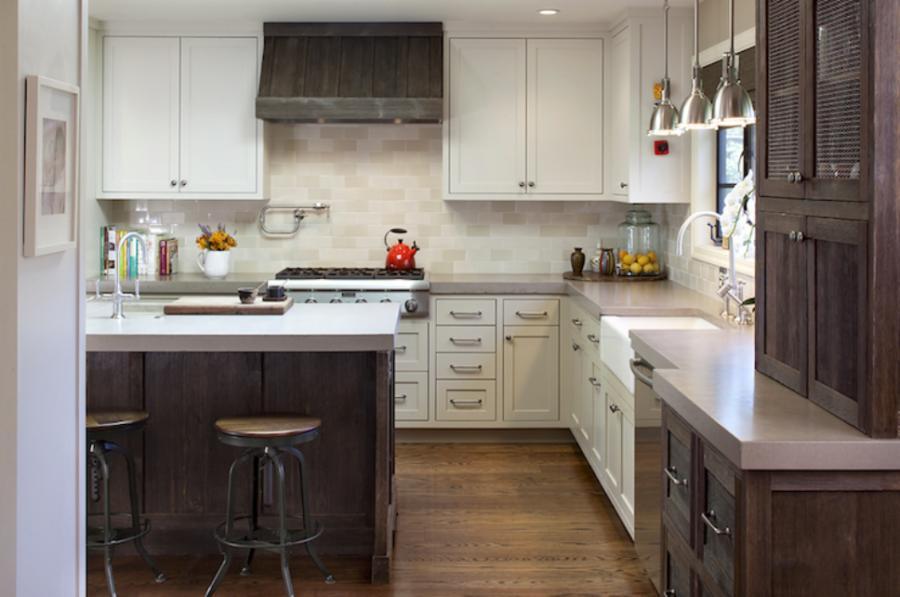 Двухцветные кухонные гарнитуры - Фото 21