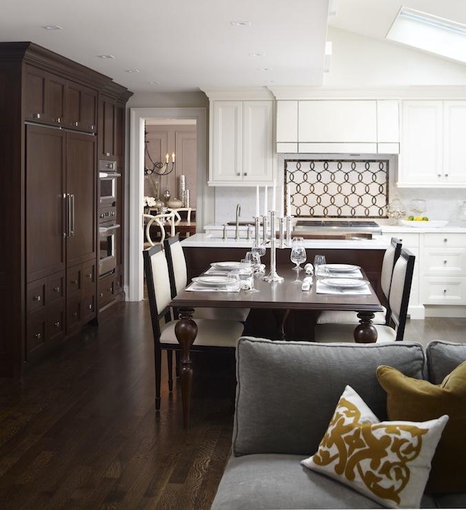 Двухцветные кухонные гарнитуры - Фото 26