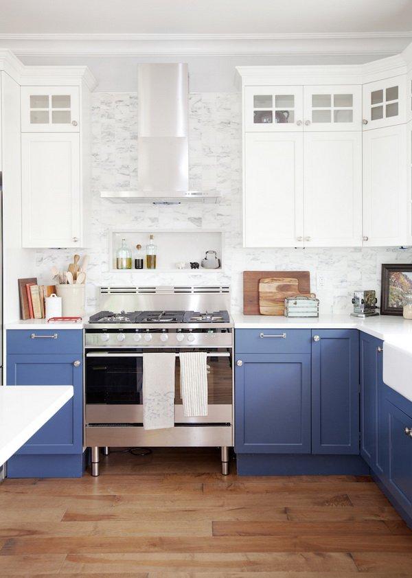 Двухцветные кухонные гарнитуры - Фото 34