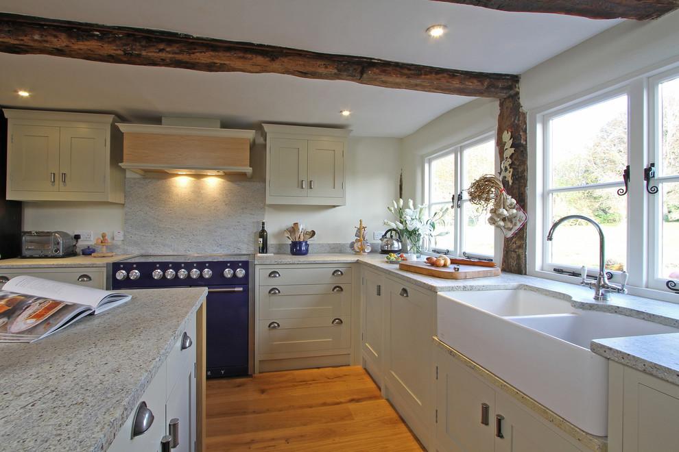 Керамическая мойка в интерьере кухни
