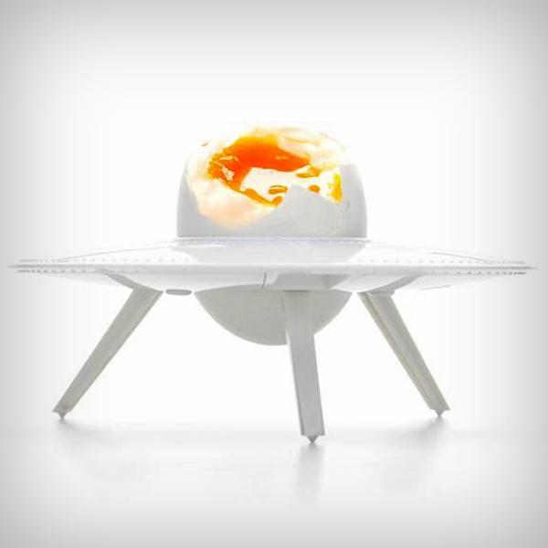 Дизайнерские аксессуары для кухни: подставка для яйца от Итамара Бурштейна
