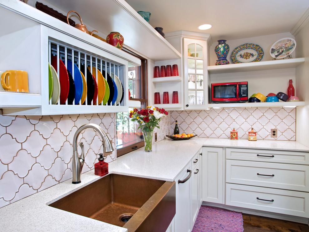 Стильный дуэт смесителя и раковины в интерьере кухни от UB Kitchens
