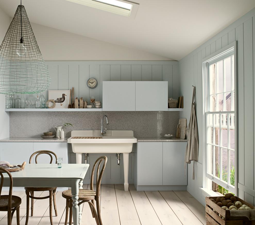 Стильный дуэт смесителя и раковины в интерьере кухни от Kohler