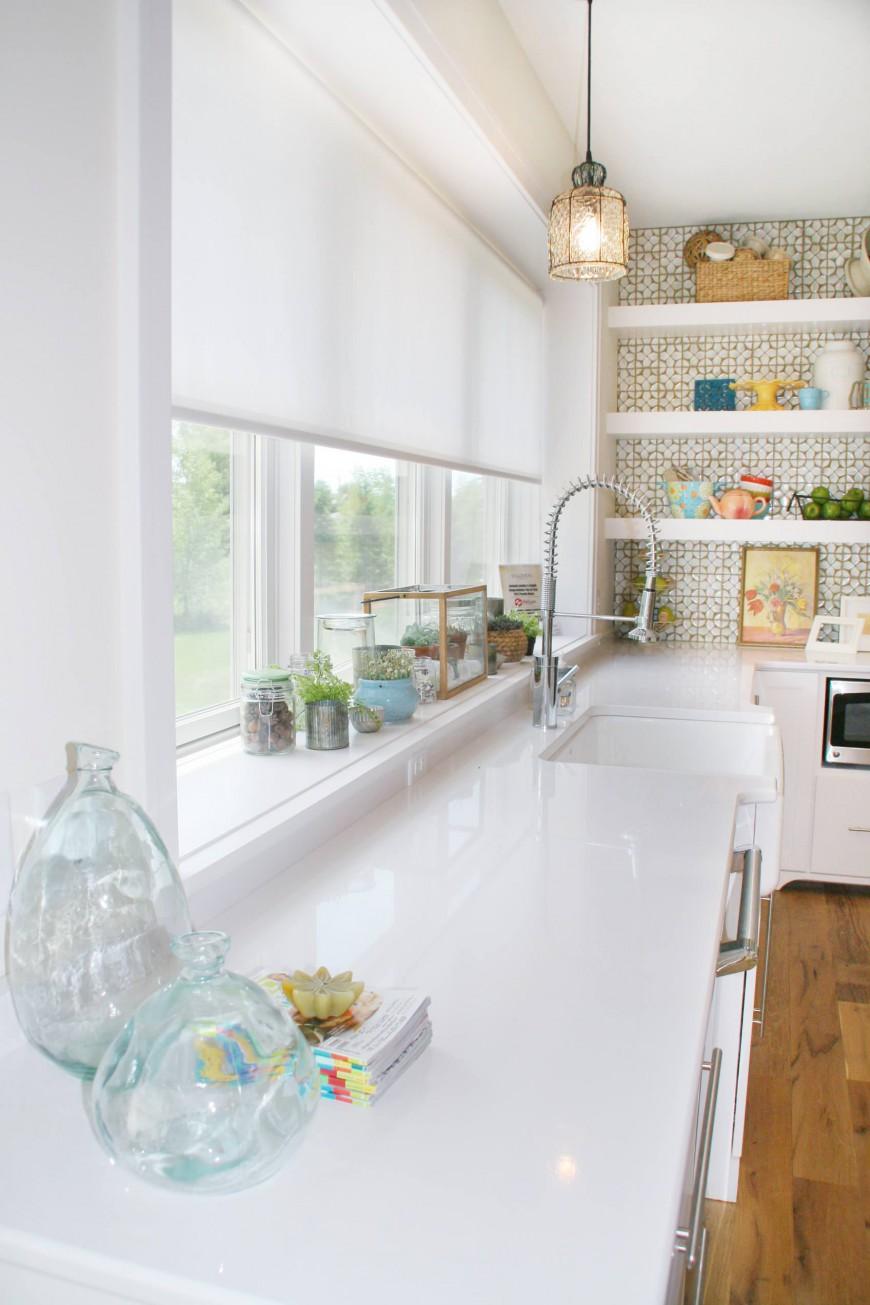 Стильный дуэт смесителя и раковины в интерьере кухни от Green Apple Design