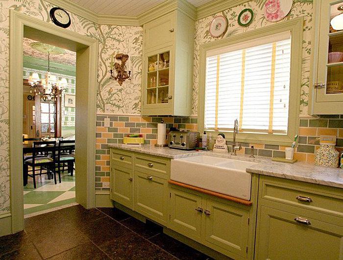 Кухни в зеленом цвете: очарование нежного светло-зелёного оттенка