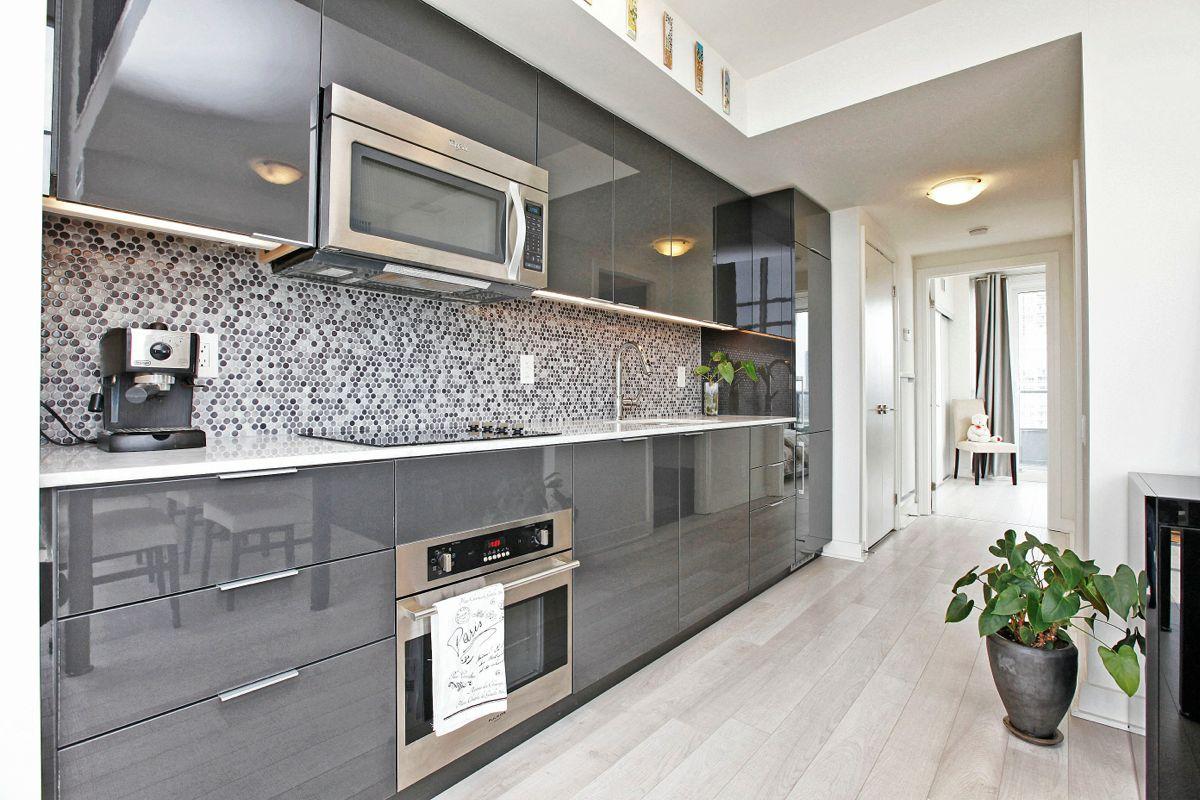 гусев кухня в сером цвете дизайн фото наполнит