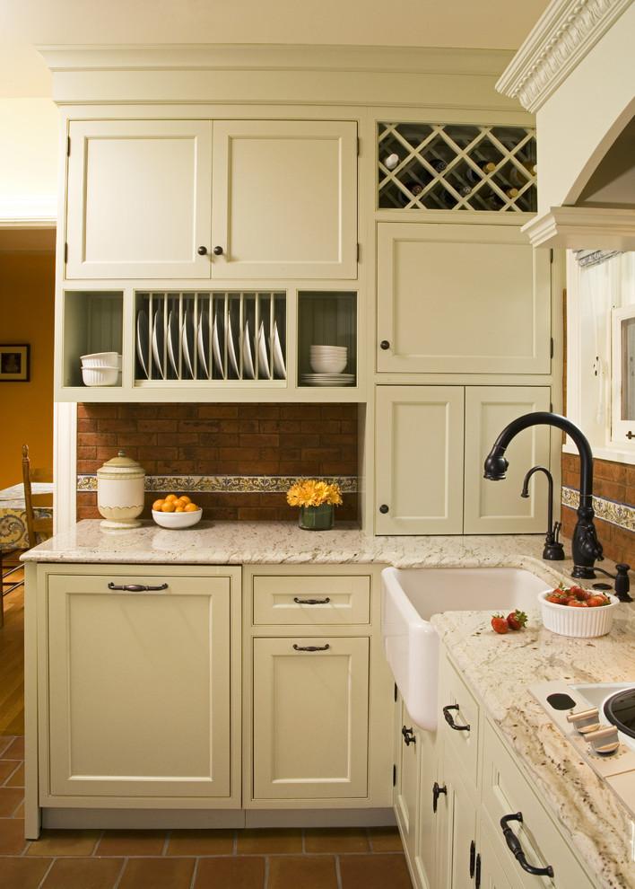 Ручки для кухонных фасадов в интерьере в стиле шейкер