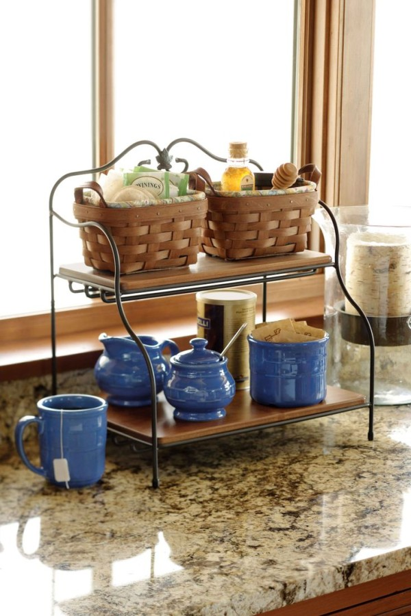 Плетёная корзина-поднос для хранения растительного масла и трав