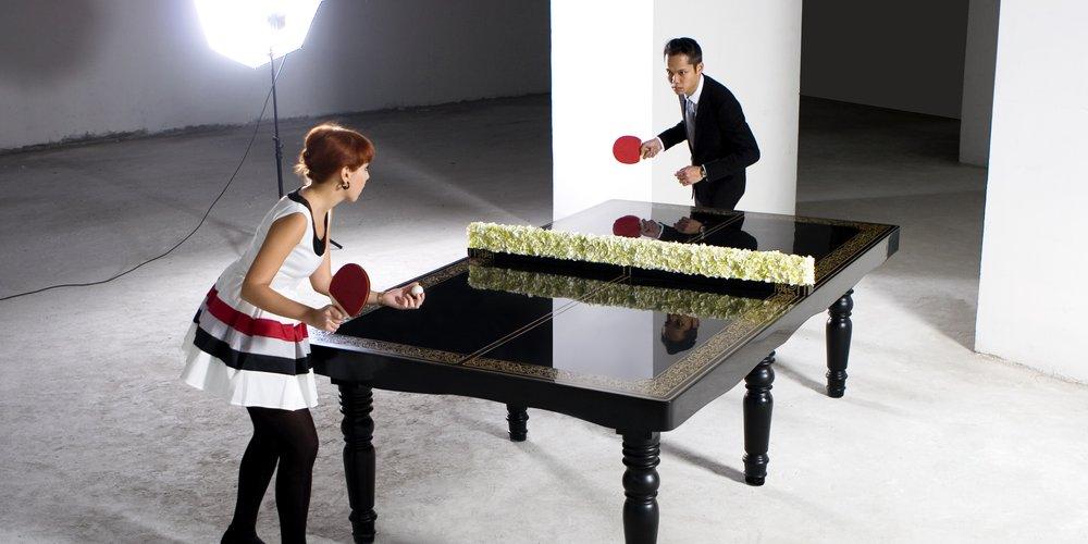 Необычный стол для обеда и игры в настольный теннис от Hunn Wai