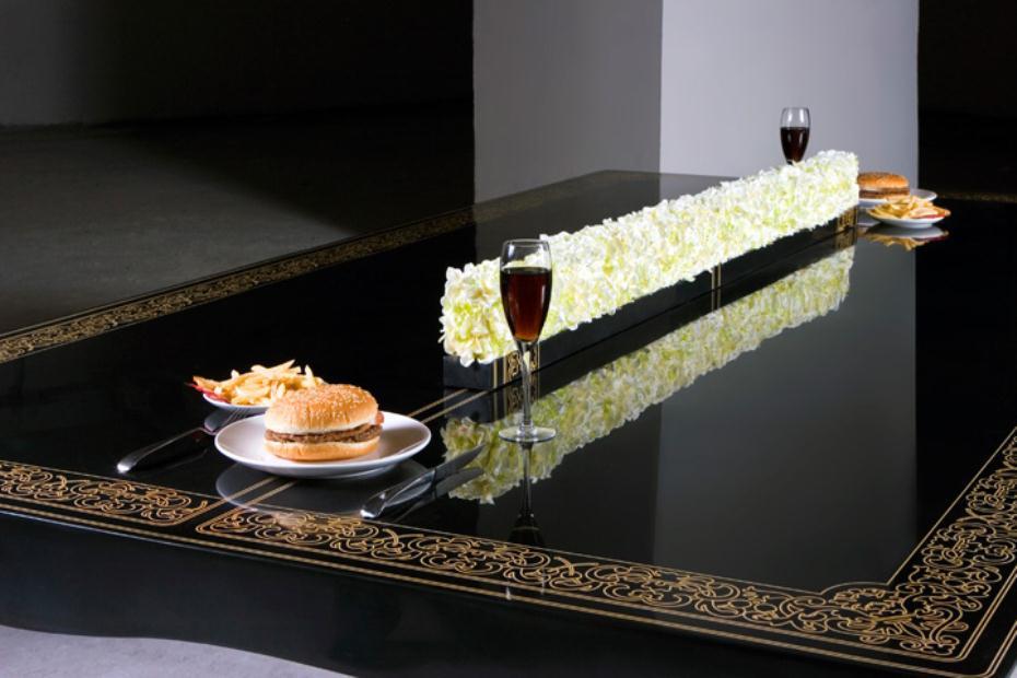 Необычный обеденный стол для трапез и игры в настольный теннис от Hunn Wai