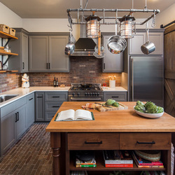 Идеи дизайна интерьеров современных кухонь: 2 примера декора