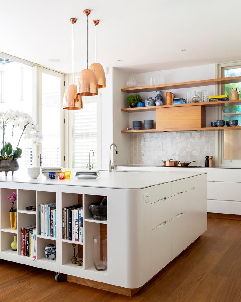 Идеи дизайна кухни - светильники медного цвета