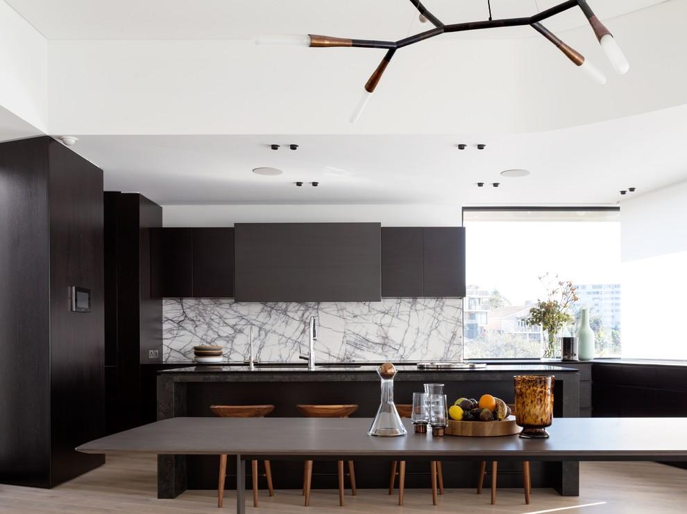 Идеи дизайна кухни - чёрный матовый гарнитур
