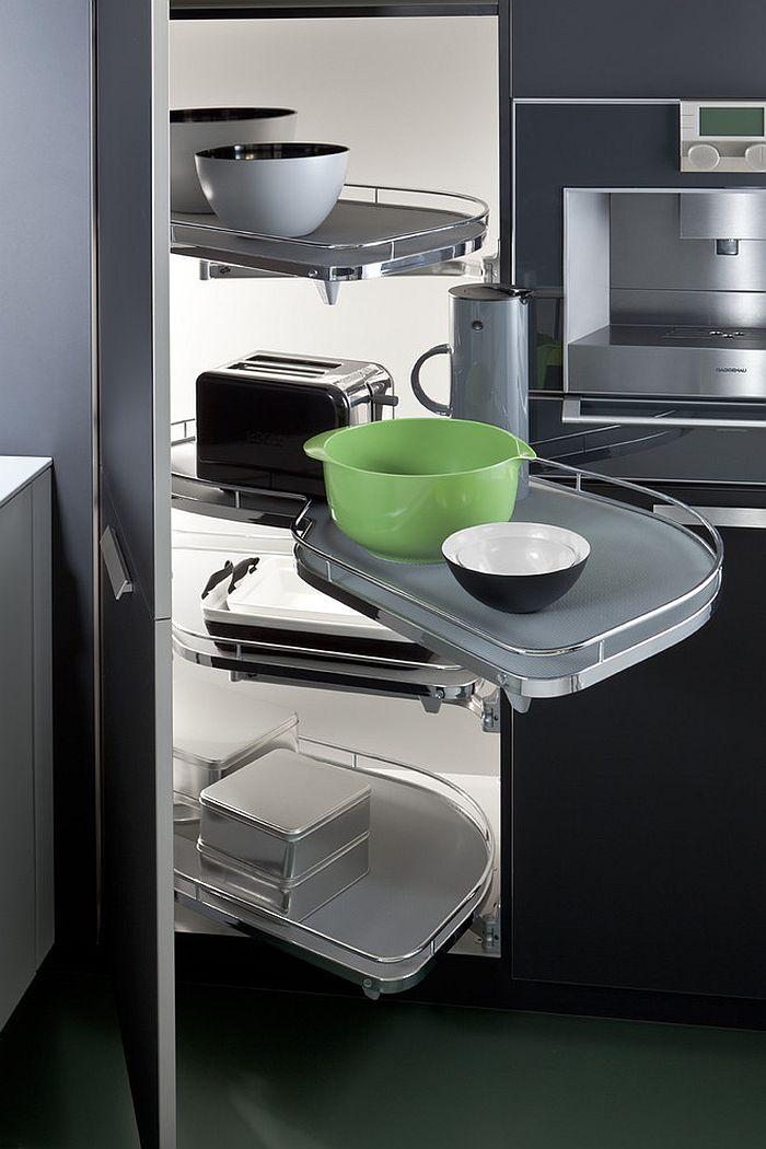 Угловая система хранения на кухне