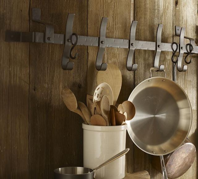 Крюки для настенного хранения кастрюль и другой габаритной посуды