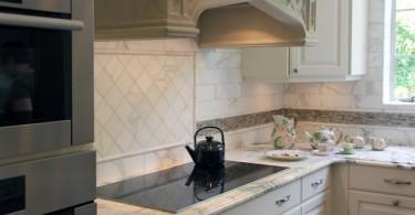 Стильная модель индукционной плиты в современном дизайне кухни