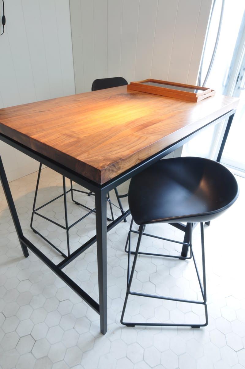 Индустриальный стиль в интерьере кухни: тепло плодовой древесины