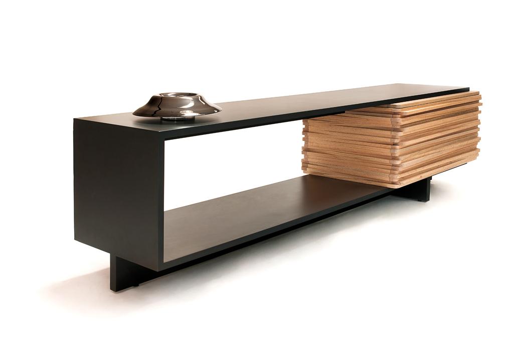Деревянный стол-буфет Stack в примитивистском стиле от Hector Esrawe