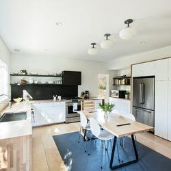 Интерьер открытой кухни: 3 интересных дизайнерских проекта