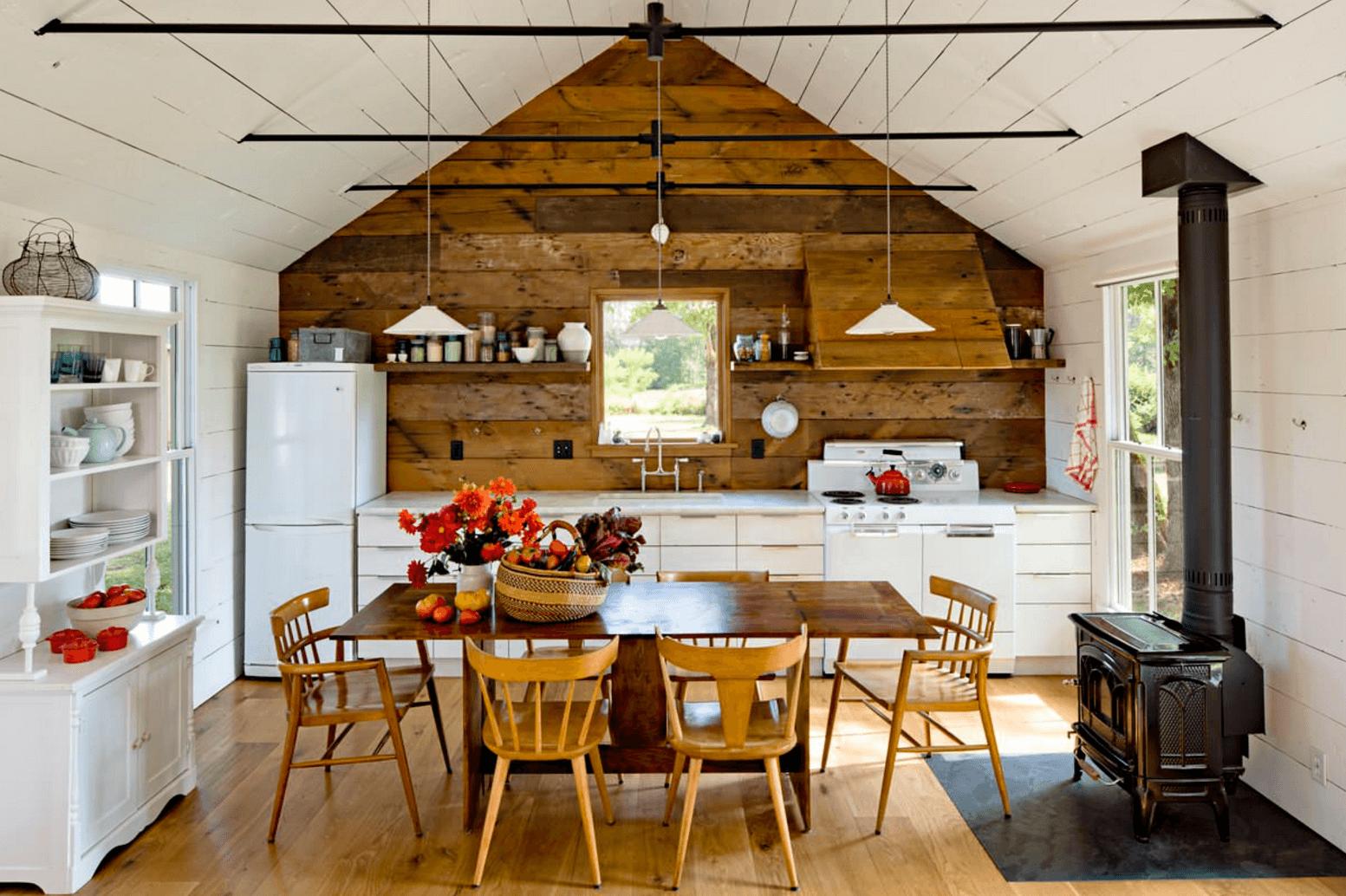 Идея дизайна фартука на кухню в деревенском стиле - фото 4
