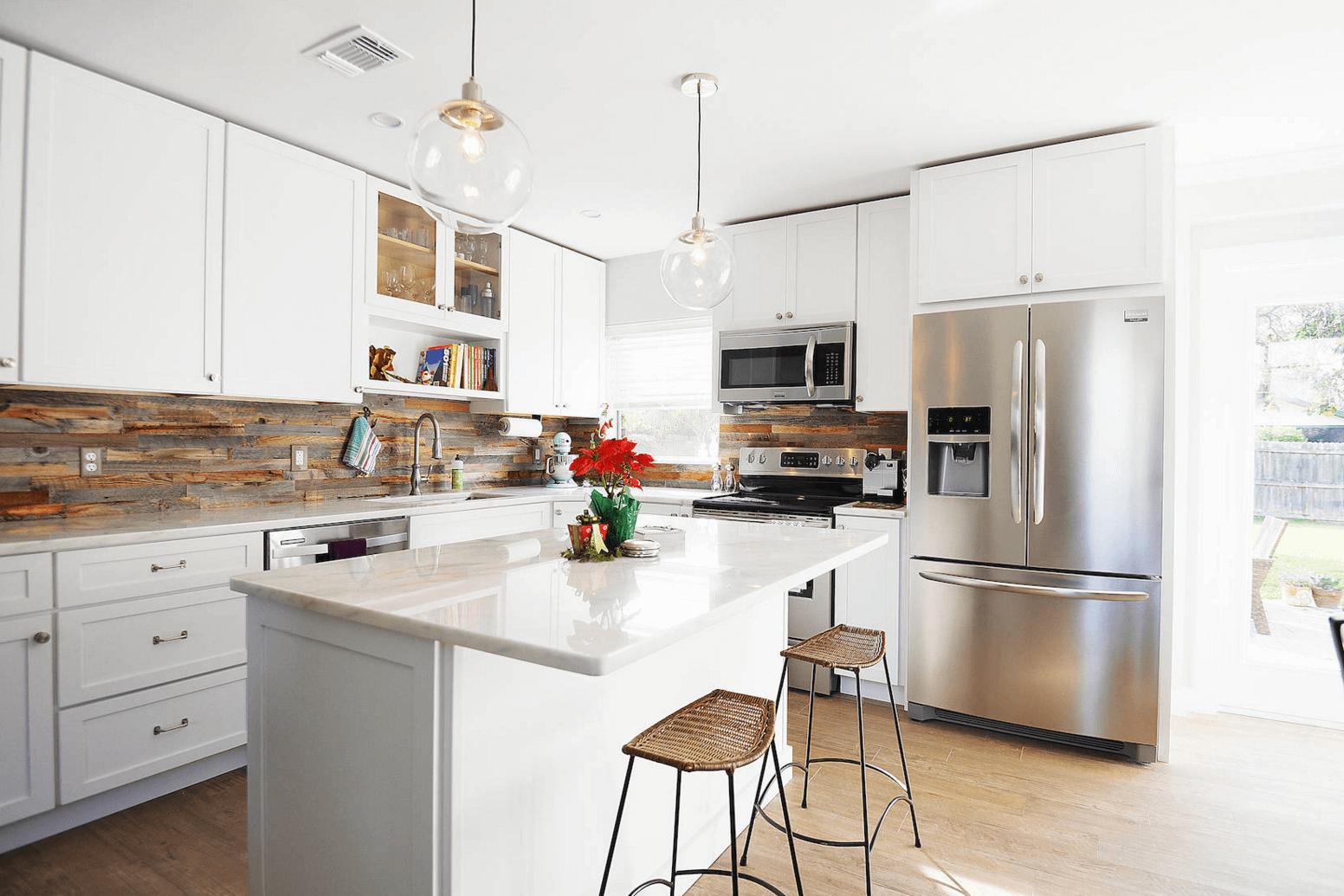 Идея дизайна фартука на кухню в деревенском стиле - фото 2