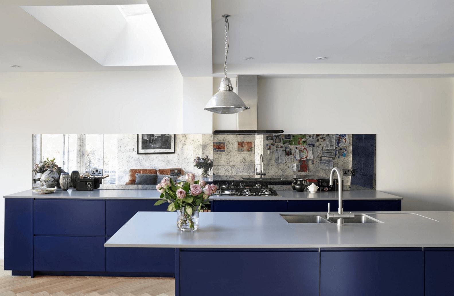 Идея дизайна фартука на кухню: зеркальный - фото 4