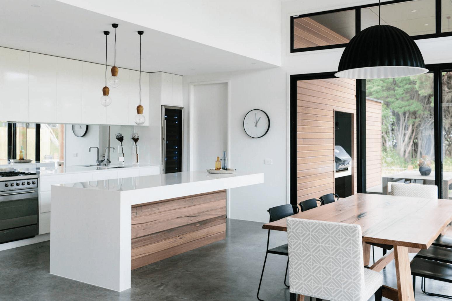 Идея дизайна фартука на кухню: зеркальный - фото 7