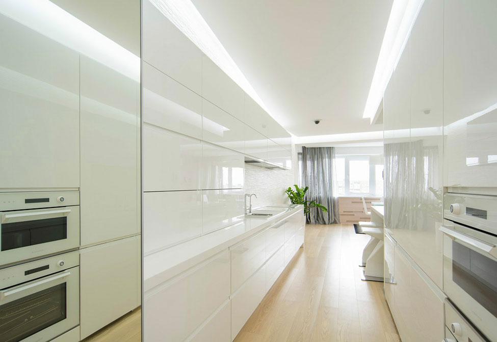 Роскошный интерьер белой кухни - Фото 1