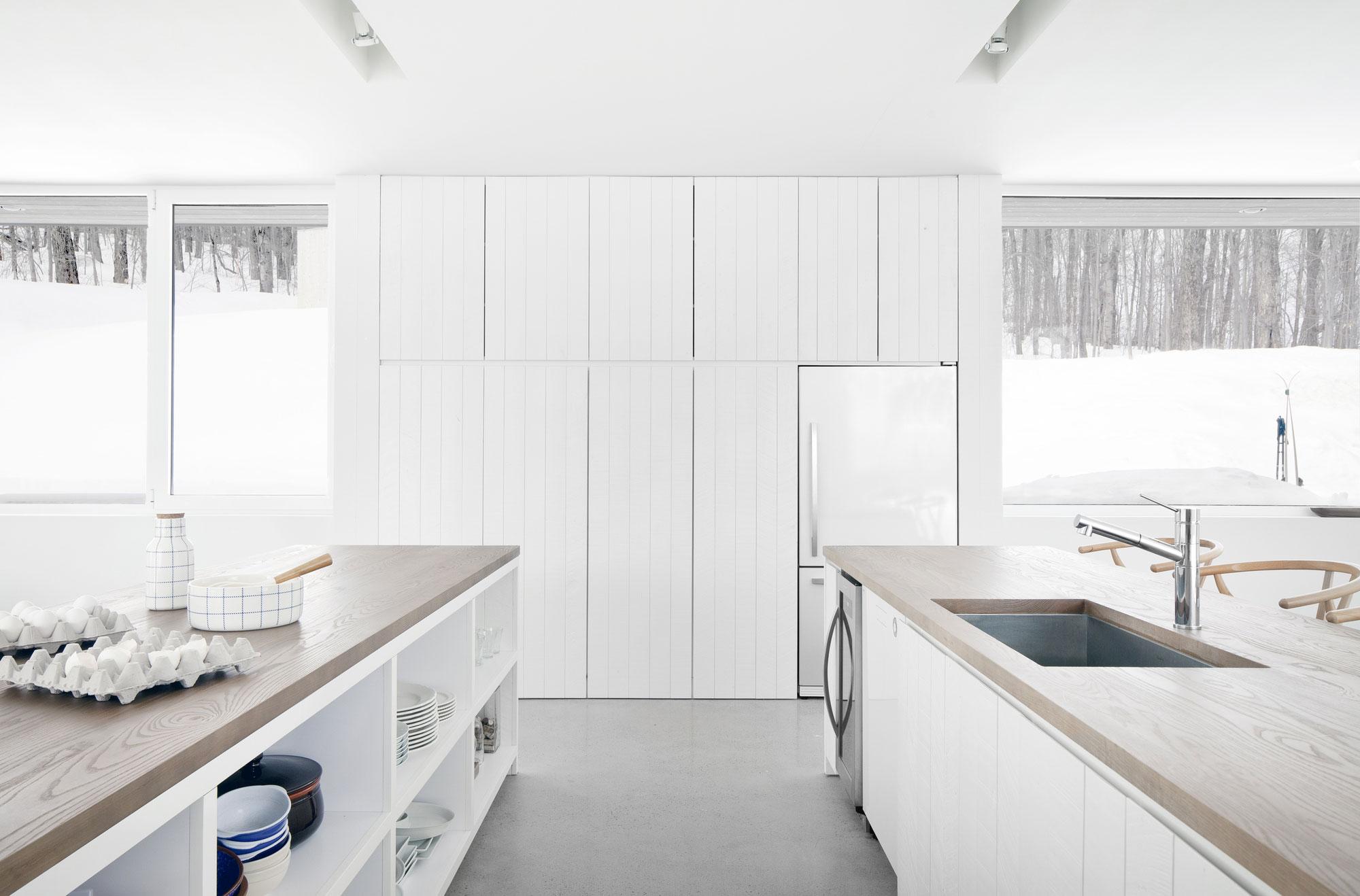 Роскошный интерьер белой кухни - Фото 4