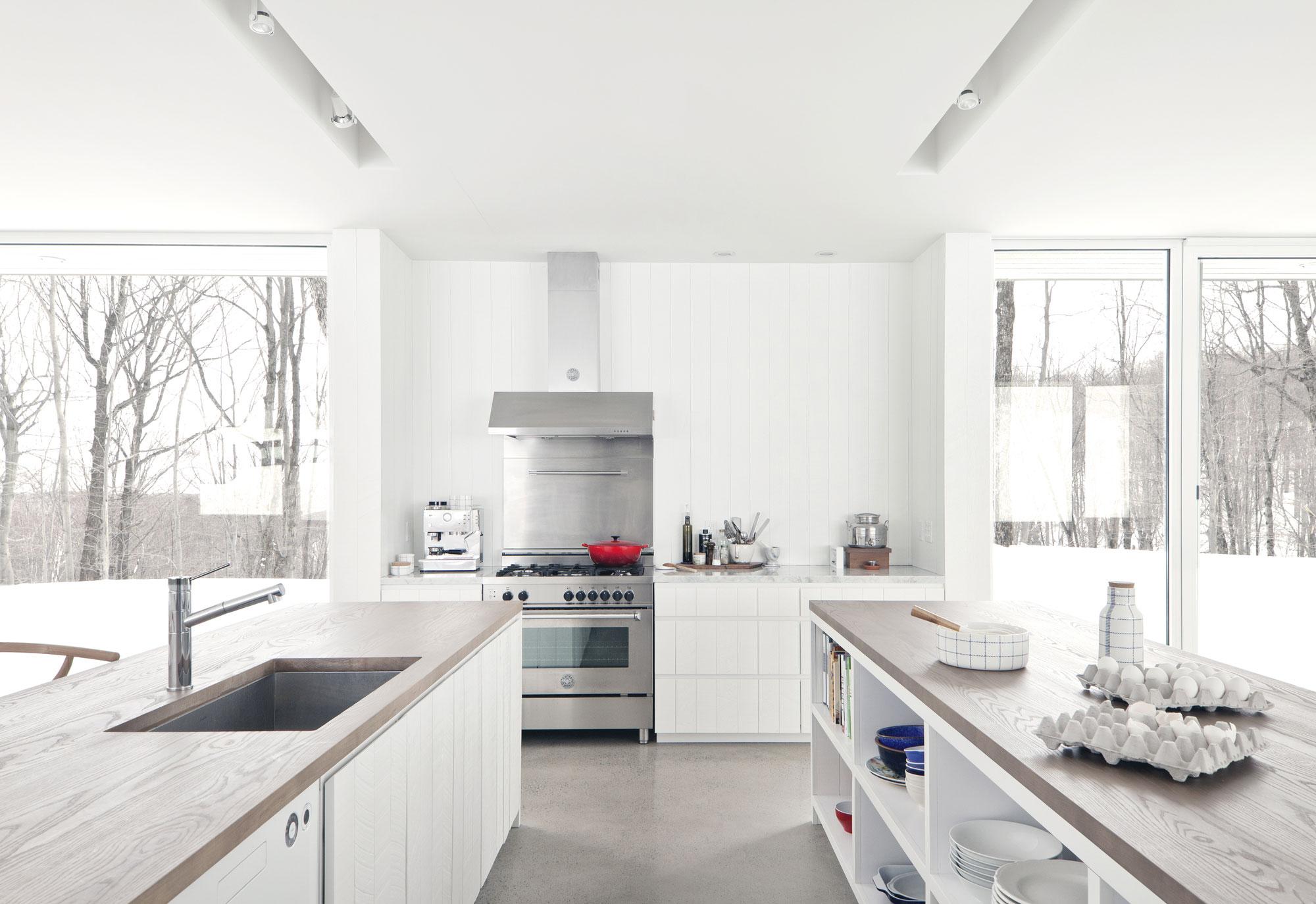 Роскошный интерьер белой кухни - Фото 5