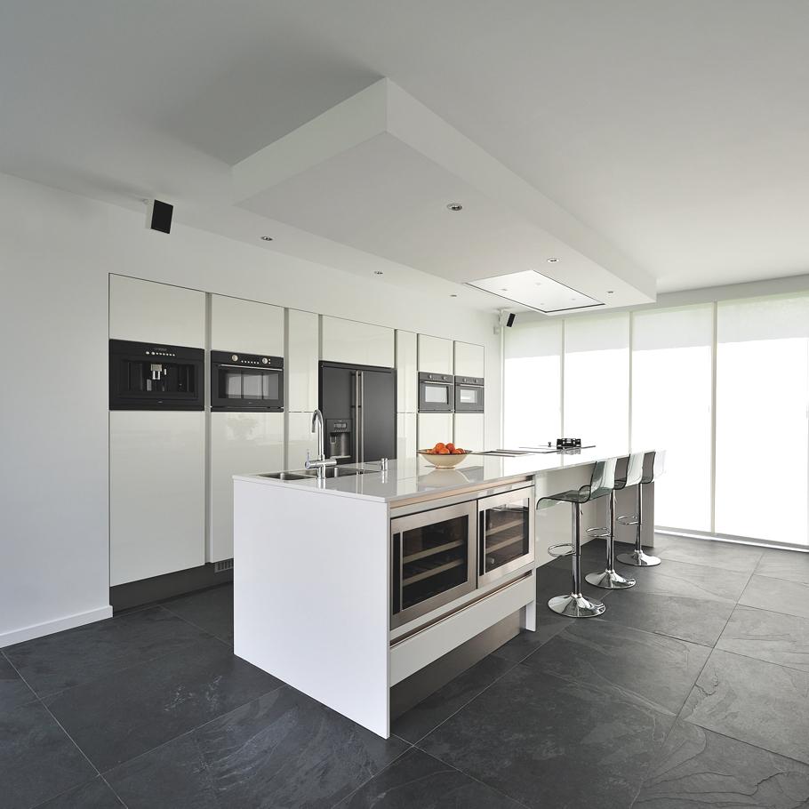 Роскошный интерьер белой кухни - Фото 8