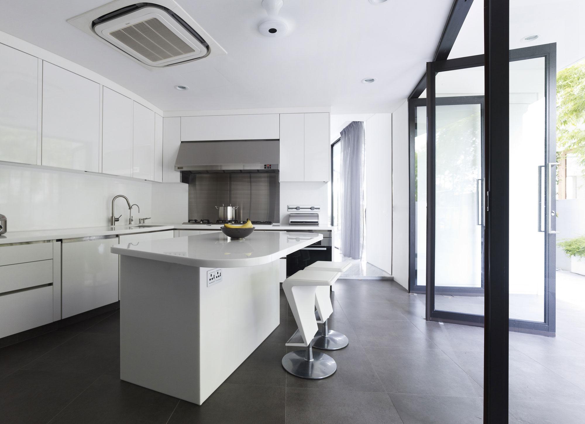 Роскошный интерьер белой кухни - Фото 9