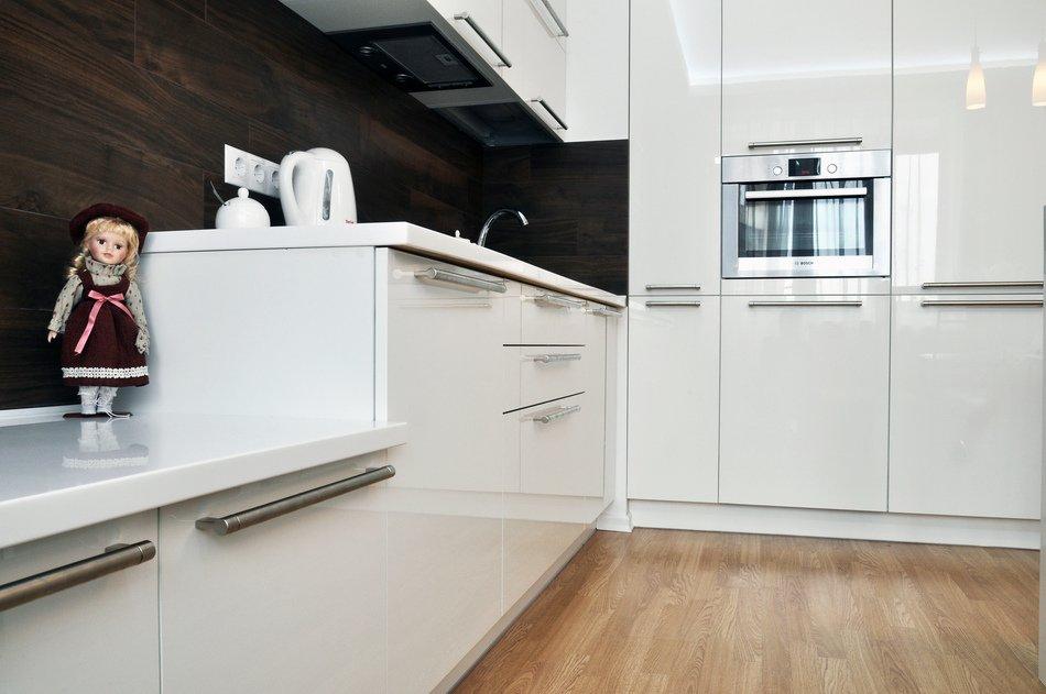 Роскошный интерьер белой кухни - Фото 11