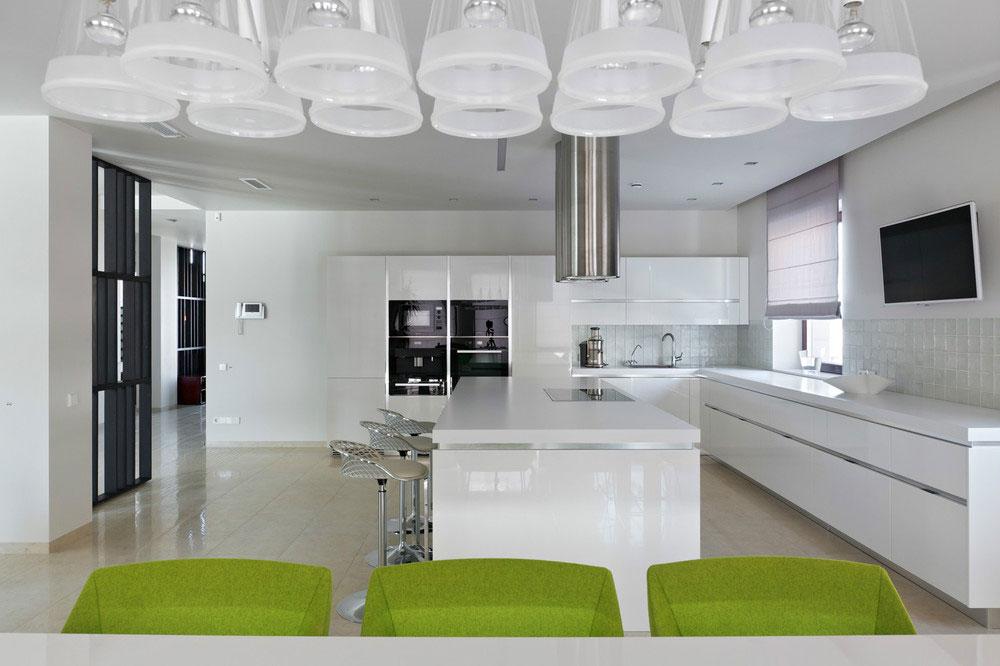 Роскошный интерьер белой кухни - Фото 25