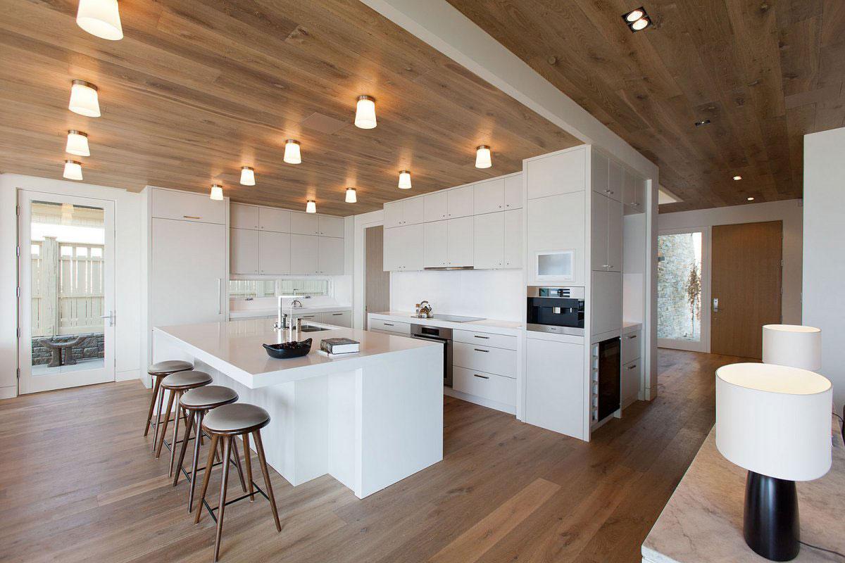 Роскошный интерьер белой кухни - Фото 30