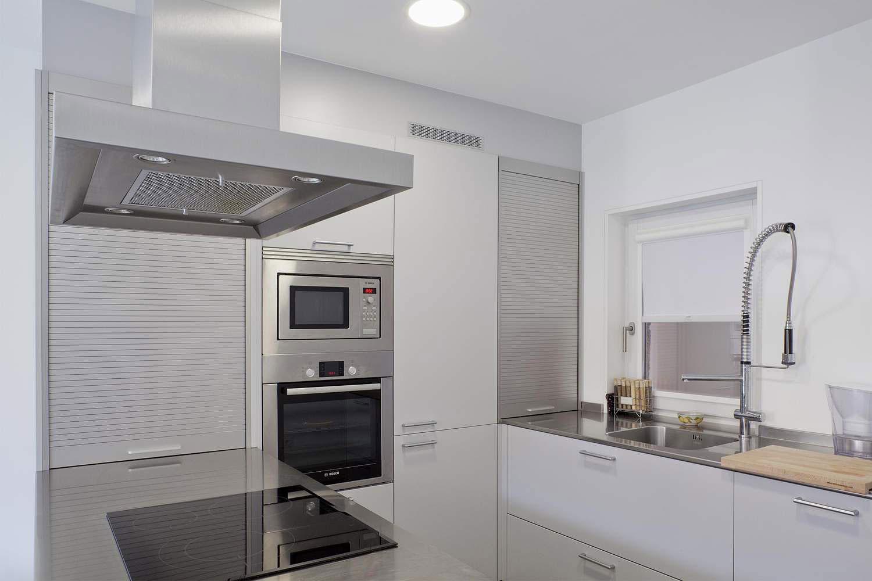 Роскошный интерьер белой кухни - Фото 34