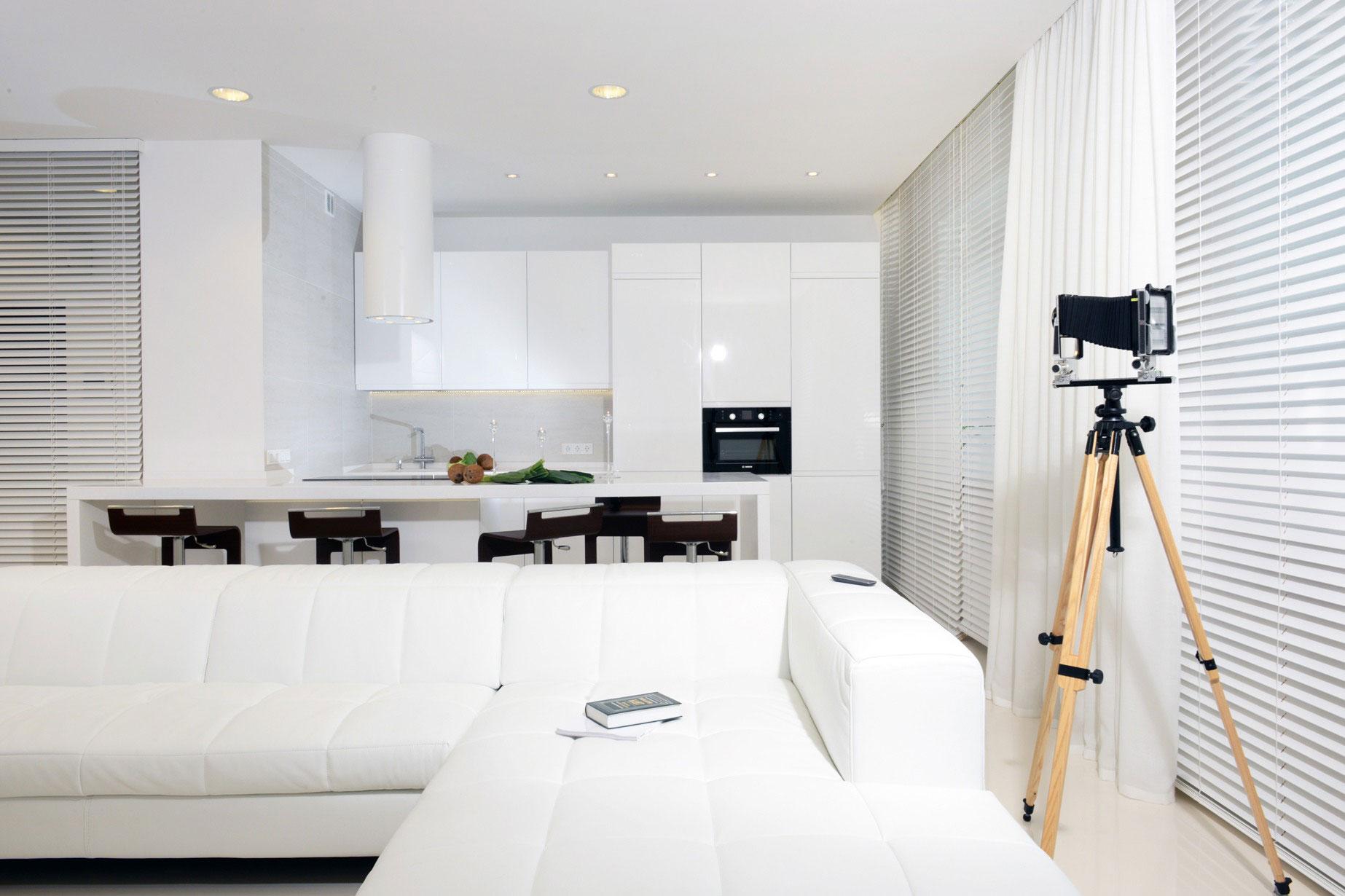 Роскошный интерьер белой кухни - Фото 40