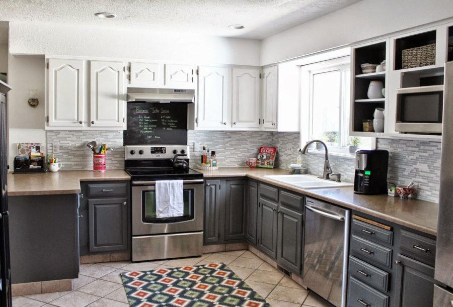 Дизайн двухцветной кухни - серо-белая кухня