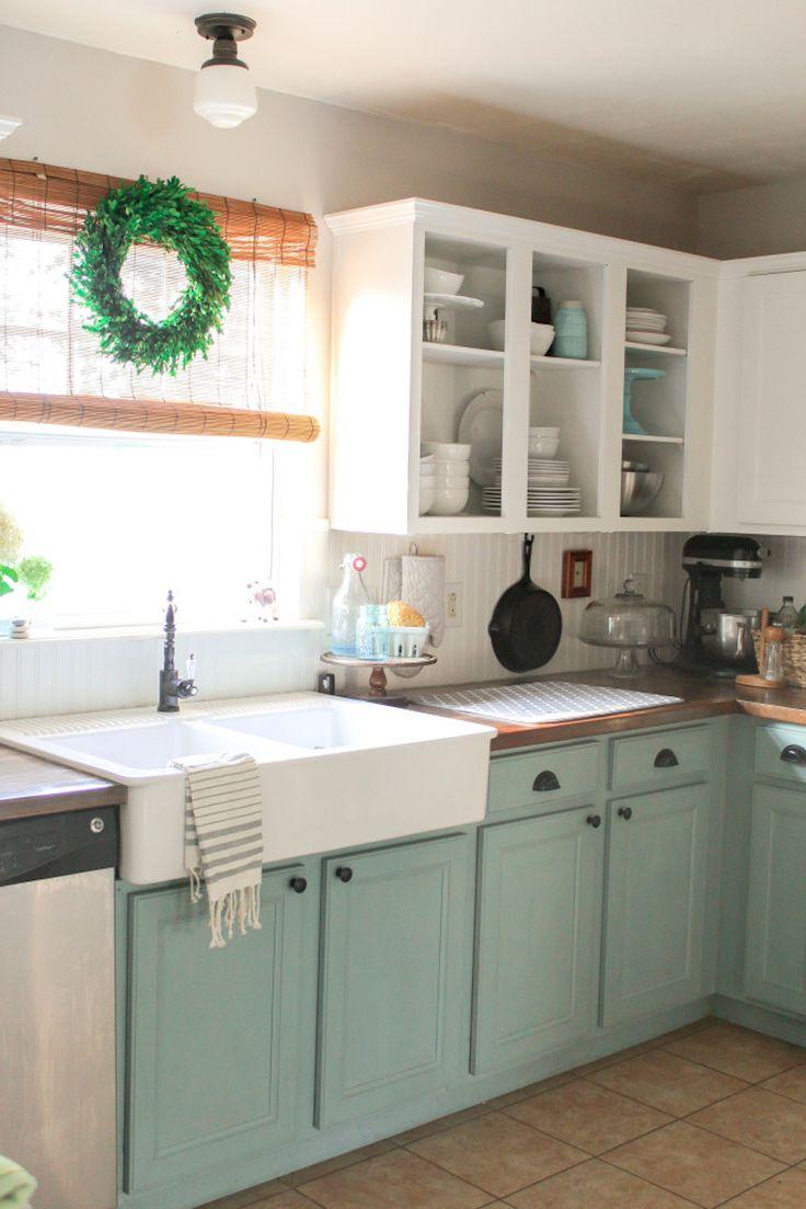 Дизайн двухцветной кухни - мятно-белая кухня