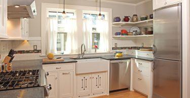 Обновлённый интерьер кухни 10 м2, в котором есть абсолютно всё